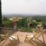 Àmplia terrassa i pati amb cel obert
