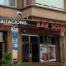Façana principal del Bar-Restaurant, amb la zona infantil.