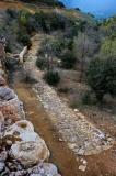 via romana situada al port d'Àger, a la vora de la carretera que va de Balaguer a Tremp, passant per Àger