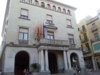 Façana principal de l'edifici de l'ajuntament de Figueres