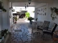 entrada del patio jardin   cal gasso