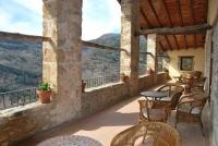 El Sunyer és una masia del segle XII totalment restaurada i situada sobre la Vall de Beget, dins l'Espai d'Interès Natural d l'Alta Garrotxa.
