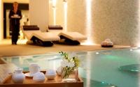 L'hotel disposa també d'un Spa completament equipat, amb dues cabines per a tractaments.   Piscina interior amb raigs d'aigua   Llits d'aigua   Sauna i bany turc   Piscina de contrast