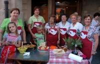 concurs de  elaboració de la tipique casola de  romesco colomí (esquixada de bacallà amb salsa picant i picada d'alls, bitxo i atmetlles torrades.