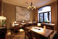 Hotel Bremon cafeteria
