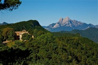 Vista del santuari des del Pedraforca