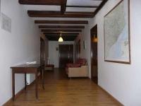 Passadís habitacions amb bany compartit.