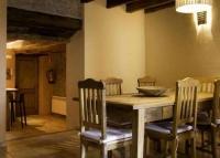 Àmplia cuina, menjador i sala d'estar