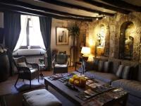 interior salas de estar masía