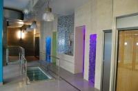 SPA Regium: - Piscina coberta - Sauna de vapor - Sauna seca- Dutxa multisectorial - Dutxa secuencial - Dutxa bitèrmica - Dutxa de contrast - Pediluvi- Pileta freda