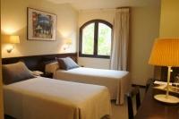 Una de les 8 habitacions dobles de l'hotel Torres.