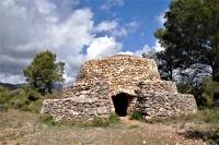 Barraca del Jaume de la Cota, bastida en pedra seca i declarada Bé Cultural d'Interès Nacional