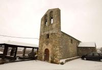 Església de Sant Cosme i Sant Damià de Queixans a l'hivern amb la neu
