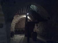 El Celler de Casa Pessetes. Local del segle XII ,amb uns nou arcs gòtics, una antiga nevera de gel i un naixement d'aigua sota terra .Un dels locals més bonics de la provincia de Tarragona.