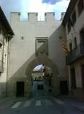 Portalada del 1542, antiga entrada al nucli urbà.