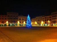 Plaça de Vic de Nit i per Nadal.