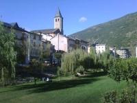 Vista de Sort amb la Església parroquial de Sant Feliu al centre