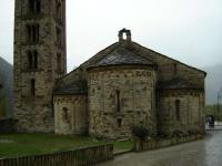 Església romànica de Sant Climent de Taüll, a Taüll, un dia de pluja.