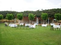 Celebracions a l'exterior amb carpa i terrassa.