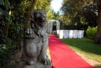 Espais exteriors per a casaments o altres celebracions.
