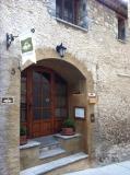 Porta d'accès // Puerta de acceso