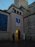 Entrada de l'oficina de turisme de Figueres